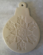 Ornament w snowflake